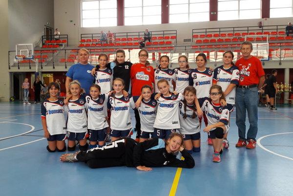 Domov si Prešovčanky doviezli trofej za tretie miesto.