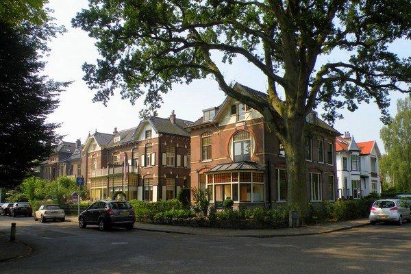 Zranení bývali v ubytovni v mestečku Velp.