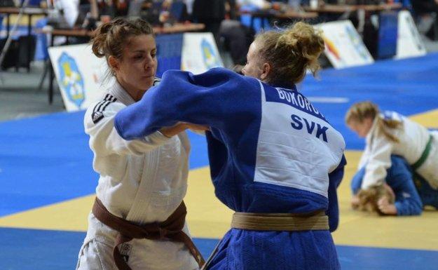 Patrícii Bokorovej (v modrom) sa tentokrát nepodarilo medailovo presadiť.