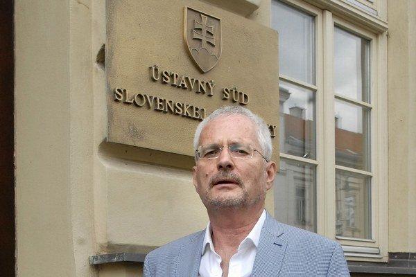 Ján Luby sa narodil v roku 1951 v Prešove, právo vyštudoval v Košiciach. Za komunizmu pracoval ako podnikový právnik, po revolúcii bol advokátom a zároveň poradcom Ústavného súdu. Za sudcu bol vymenovaný 4. júla 2002.