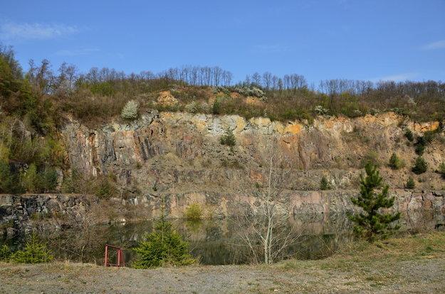 Andezitový kameňolom v Šiatorskej Bukovinke.