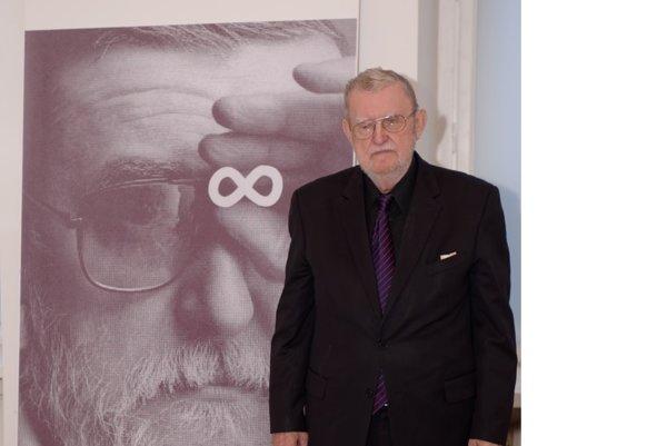 Ľubomír Feldek na výstave v Martine.