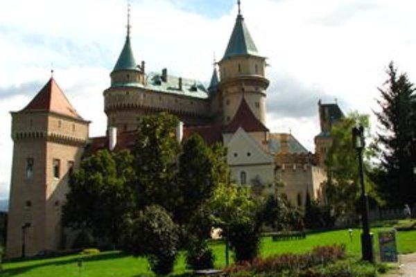 Na konkurz do zámku prišlo 159 ľudí.