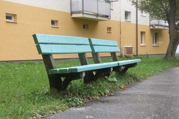 V Prievidzi pribudnú nové lavičky na sedemnástich miestach