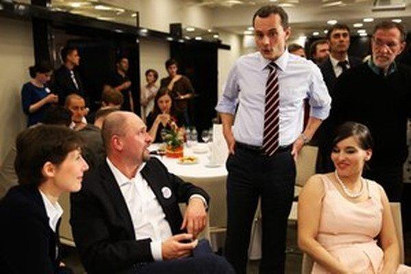 Sulík čakal na výsledky prezidentských volieb v Procházkovom štábe.