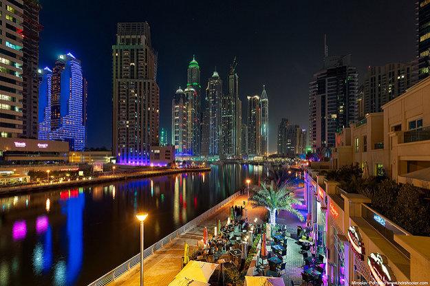 Reštaurácie v Dubaji ponúkajú všetky svetové kuchyne. Iba niektoré sa špecializujú na tradičnú arabskú.