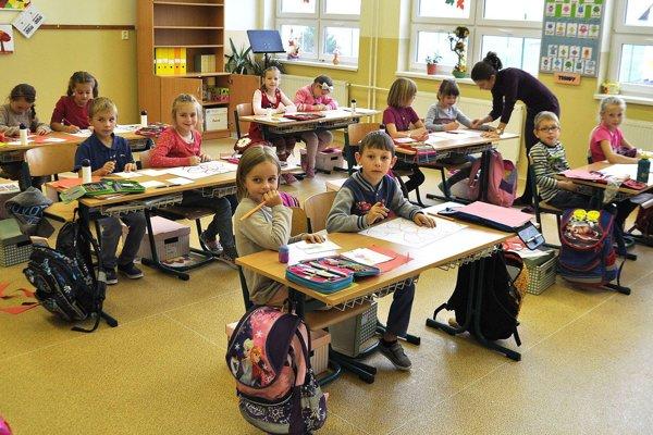 Základnú školu v Mútnom navštevuje takmer štyristo žiakov. Učitelia sa ako jediní na Orave zapojili do štrajku.