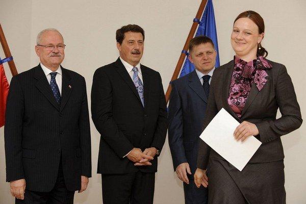 Katarína Neveďalová so šéfmi Smeru v roku 2009, keď sa stala europoslankyňou.