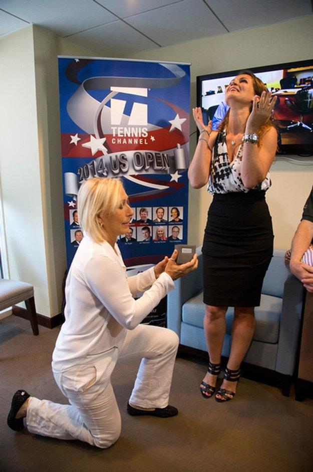 Svoju dlhoročnú priateľku Juliu Lemigovu požiadala o ruku v roku 2014 počas US Open