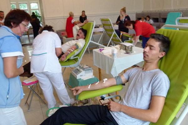 Primátorská kvapka krvi pritiahla šesťdesiatku darcov.