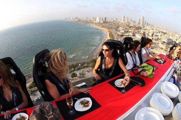 Výnimočný výhľad a kvalitné jedlo ponúkajú silný zážitok.