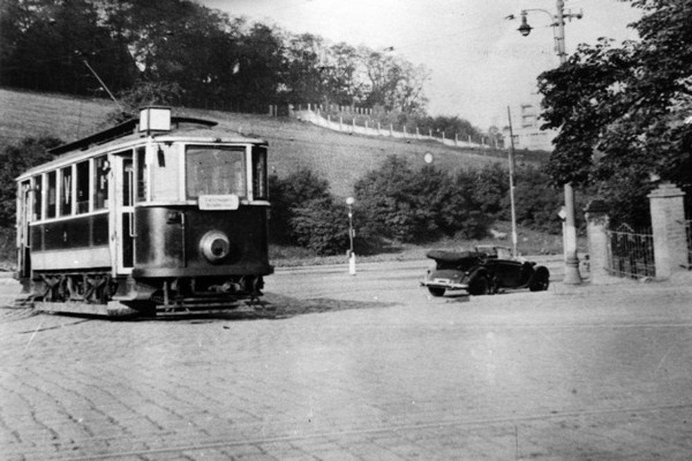 Atentát na Reinharda Heydricha v rámci operácie Antropoid bol spáchaný 27. mája 1942 v Prahe-Libni.