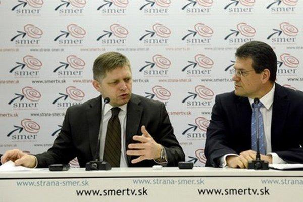 Šéf Smeru Robert Fico a eurokomisár Maroš Šefčovič.