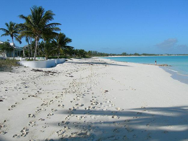 Pláž Treasure Cay na ostrove Abaco.