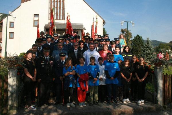 Spoločná fotografia Dobrovoľného hasičského zboru zRudinskej.