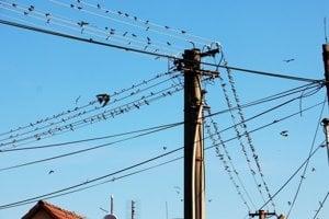 Mesto Prievidza a energetický podnik sa nevedia v konkrétnych prípadoch zhodnúť, kadiaľ budú elektrické drôty vedené.
