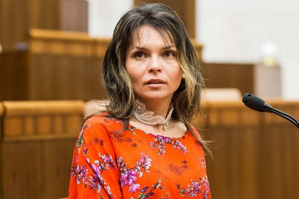 Helena Mezenská by chcela ako prezidentka presadzovať priamu demokraciu.