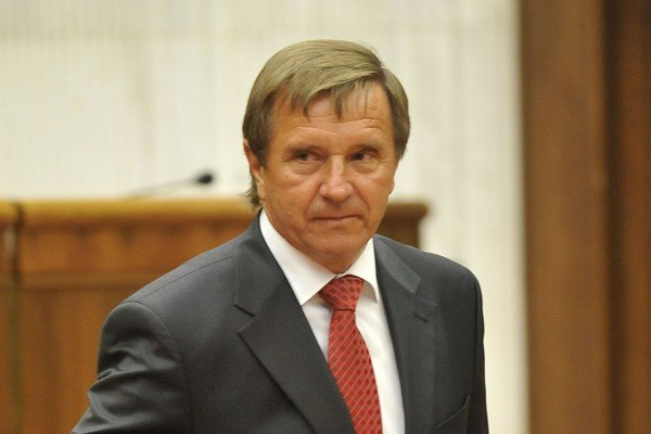 Ľubomír Želiezka.