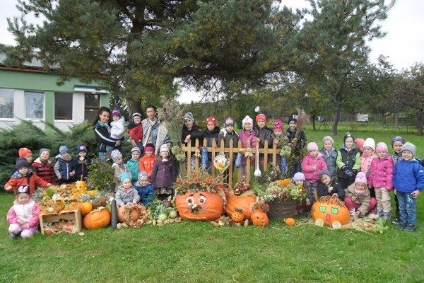Jeseň aj tento rok motivovala porubské deti a ich rodičov k tvorivosti.
