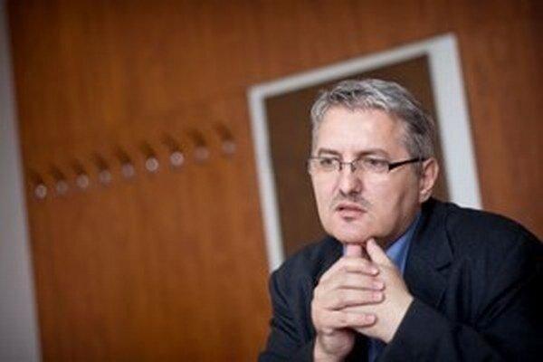 Predseda ústavu Ondrej Krajňák.