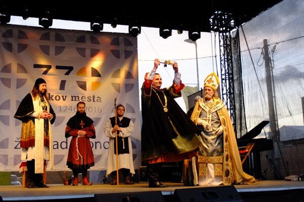 Výročie udelenia výsad si tento rok pripomenuli v Žiari aj historickým sprievodom.