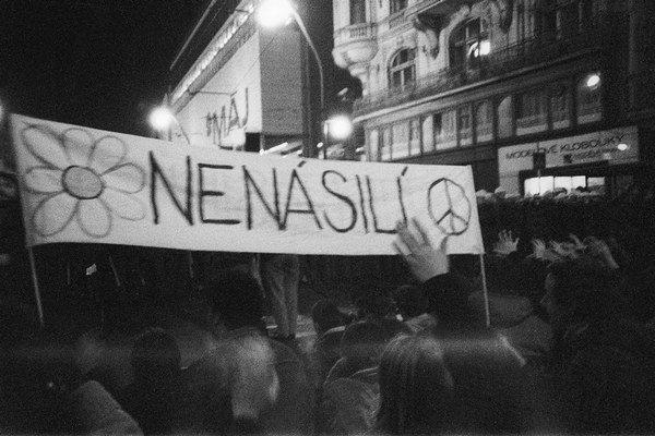 Pochod študentov spustil pád režimu.