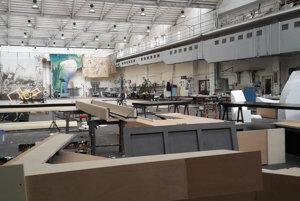 Maliarska dielňa SND je najväčšia v strednej Európe.
