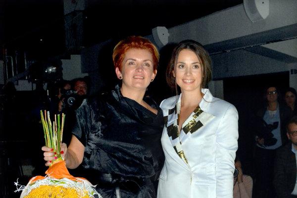 Ida Sandor a Gabika Marcinková. Herečka sa stala tvárou módnej návrhárky a vzniklo z toho priateľstvo.