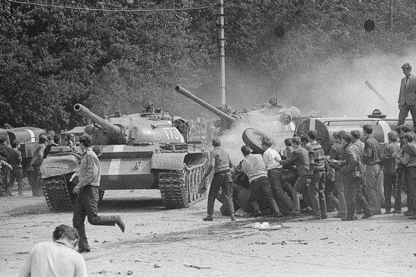 Ľudia kládli okupantom odpor.