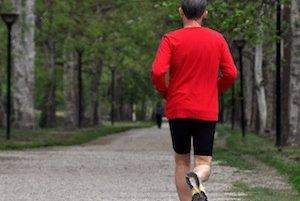Veľký význam má pohyb – je najspoľahlivejším preventívnym opatrením pred vznikom a dokonca aj recidívou ochorenia. Stačí aj bežná chôdza, avšak aspoň 150 minút týždenne.