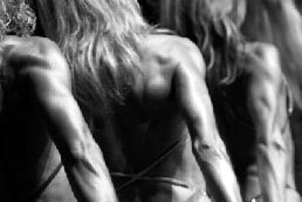 Stále viac ľudí sa v honbe za dokonalým telom uchyľuje k užívaniu steroidov. ILUSTRAČNÉ