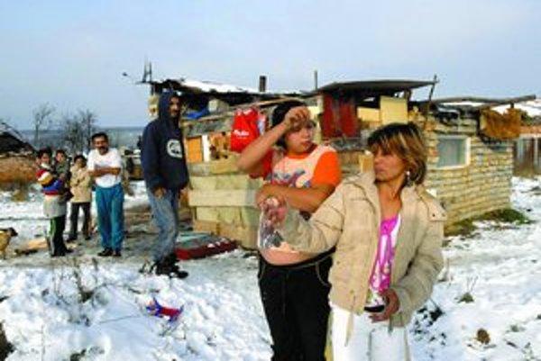 Vďaka nočným mrazom teraz v osade v Kecerovciach nie je blato a hnilobný zápach sa dá zniesť.