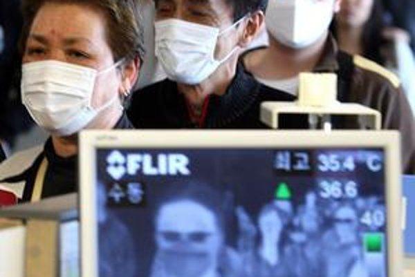 Na letiskách v Soule kontrolujú teplotu cestujúcich špeciálne monitorovacie systémy.