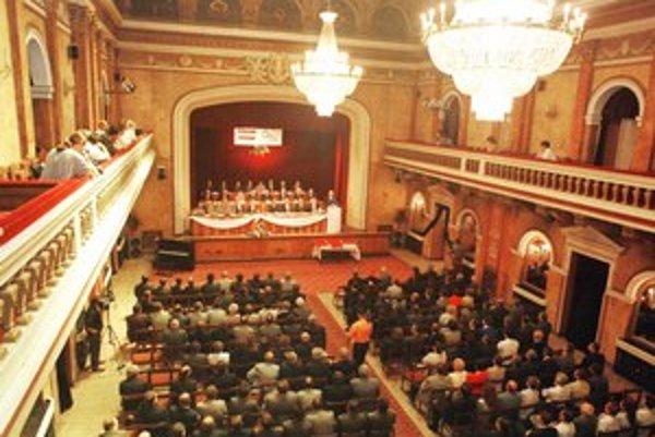 Prešov ponúka informácie, ak poslanci súhlasia.