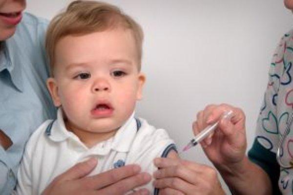 Malé deti patria k rizikovej skupine a sú náchylnejšie aj na vznik komplikácií.