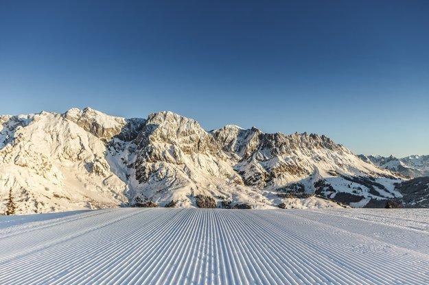 Každý lyžiar ocení jazdu, keď má svah sám pre seba.