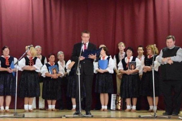 Seniorom sa prihovoril v úvode starosta obce Zborov nad Bystricou Juraj Hlavatý.