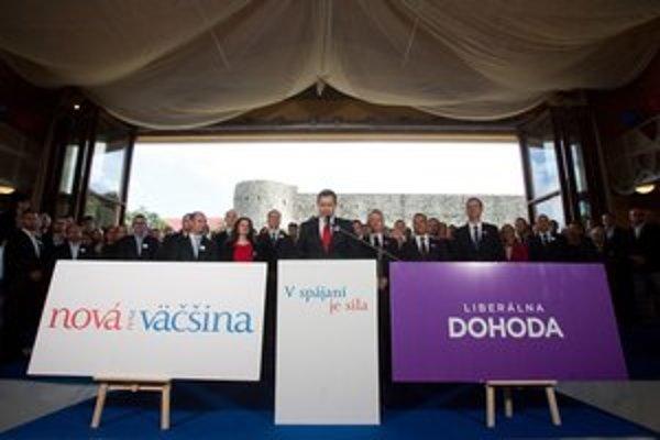 Ako sa do Dunaja vlieva Morava, vlieva sa do Novy Dohoda, vravel na Devíne Daniel Lipšic.