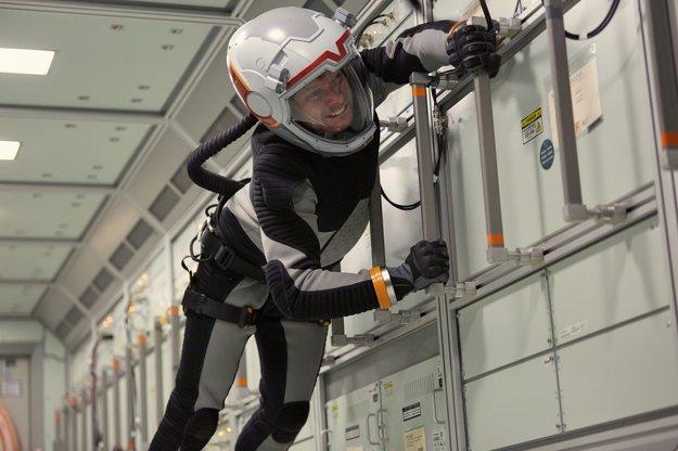 Záber z hraných sekvencií v dokumente Mars.