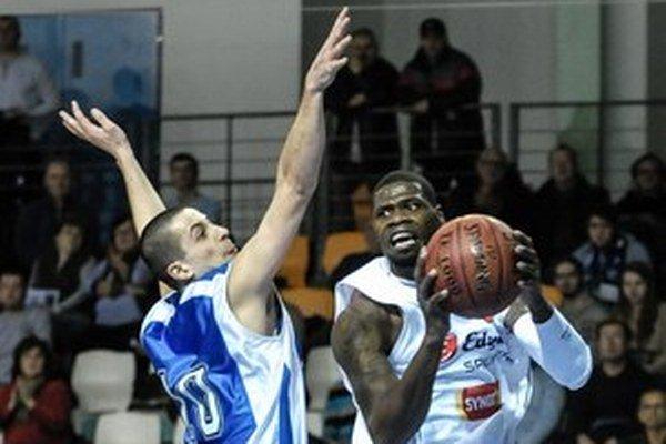 V Nitre vo februári zbili basketbalistu čiernej pleti.