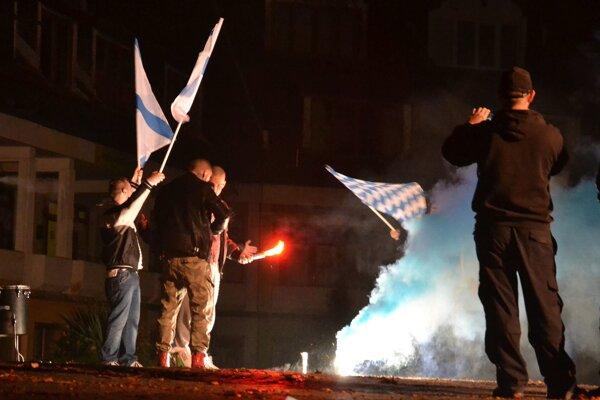 Fans MBK Lučenec oslavovali víťazstvo pred Arenou.