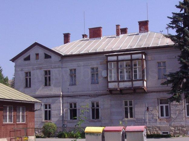 Jedna z budov bývalej zápalkárne.