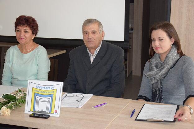 Porota, zľava Zita Ďurišinová, Ľudovít Visokay a zástupkyňa Mesta Trebišova Martina Mištaničová.
