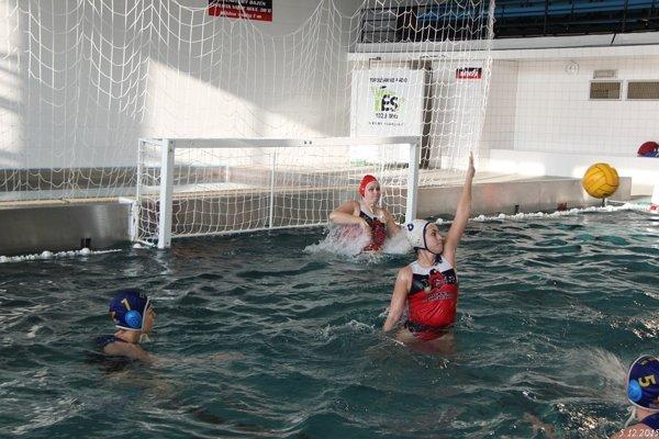 Topoľčianske vodné pólistky zabojujú o Slovenský pohár.