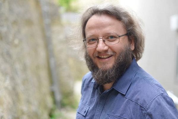 Operný spevák Jozef Benci.