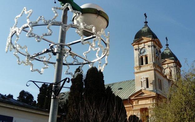 Vianočná atmosféra vstúpi do Levíc 2. decembra.
