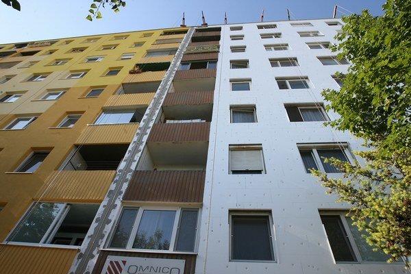 Zateplenie a novú fasádu vidno. Dôležité pri obnovenej budove je však aj to, či sa menili napríklad aj rozvody.