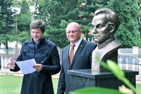 V Martine odhalili bustu Antona Bernoláka pri príležitosti 250. výročia od jeho narodenia.