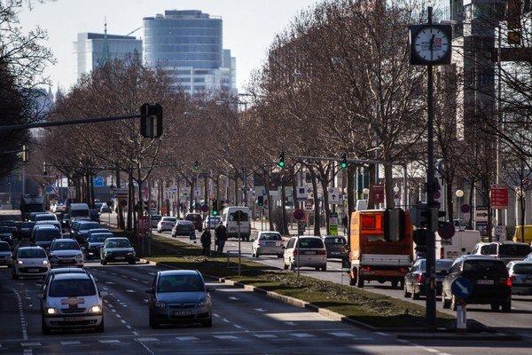 Najdrahšou lokalitou je centrum Viedne, kde priemerná cena štvorcového metra v 1. polroku medziročne stúpla o 14 percent na 9245 eur.