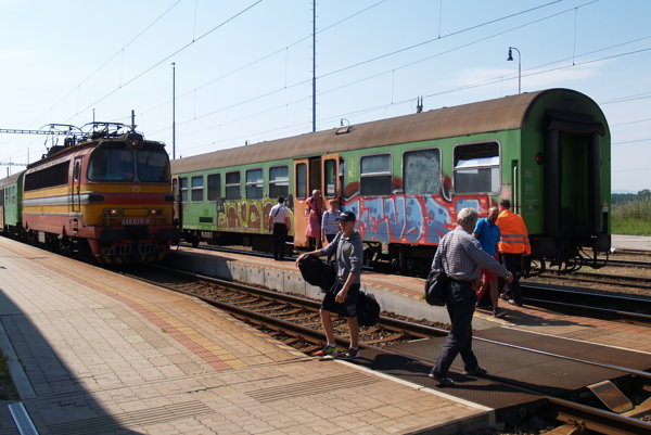 Železničná stanica v Senici.